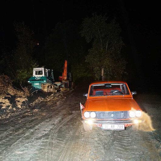 Kastamonuyu sel vurdu: Bazı köylere ulaşım kesildi
