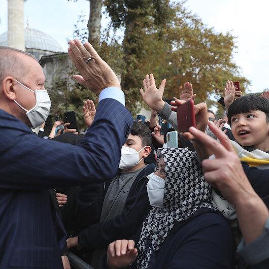 Cumhurbaşkanı Erdoğan cuma namazını Eyüp Sultan Camisinde kıldı