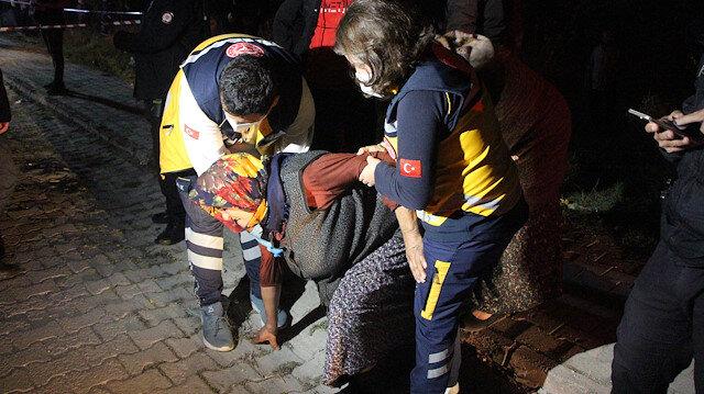 Yangında evden çıkamayan kadını itfaiye ekipleri kurtardı