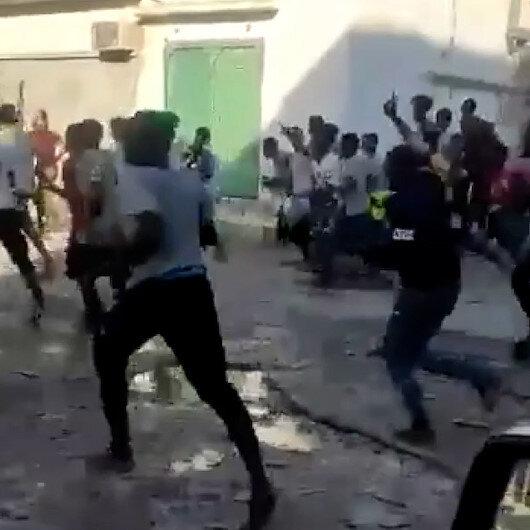 Libyada yüzlerce Afrikalı sığınmacı barınma merkezinden kaçtı