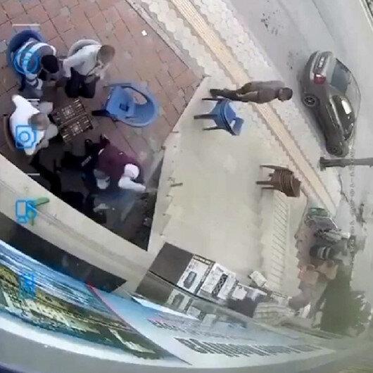 Hatayda kadına baltayla saldıran adamı sadece izlediler