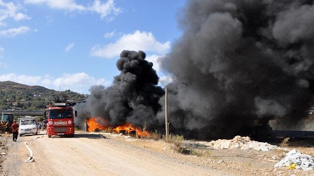 Gazipaşa'da geri dönüşüm deposunda yangın