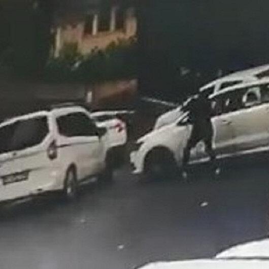 Şişlide aracıyla önünü kestiği otomobilin sürücüsüne kurşun yağdırdı