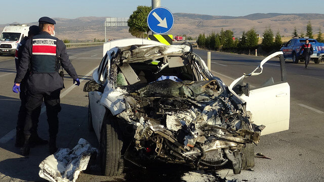 Afyonkarahisar'da feci kaza: Üç kişi hayatını kaybetti