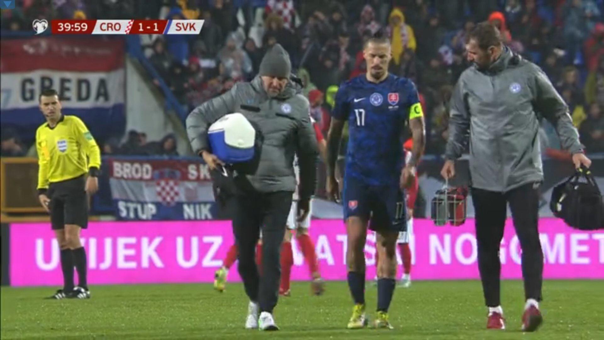 Hamsik oyundan yürüyerek çıktı ve sedye istemedi.