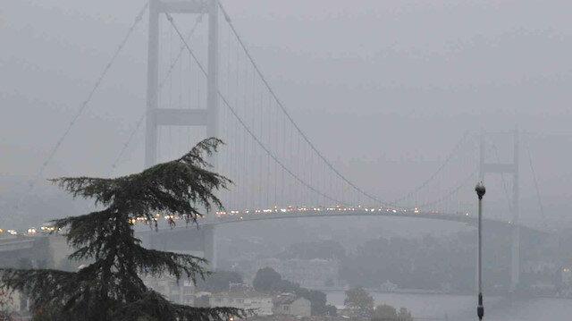 İstanbul güne sisle uyandı: Sürücüler ilerlemekte güçlük çekti