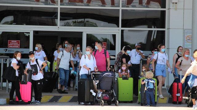 Salgına rağmen turist yağdı: Turizmin 'en kötü yılı'nda Türkiye dünyada 5'inci