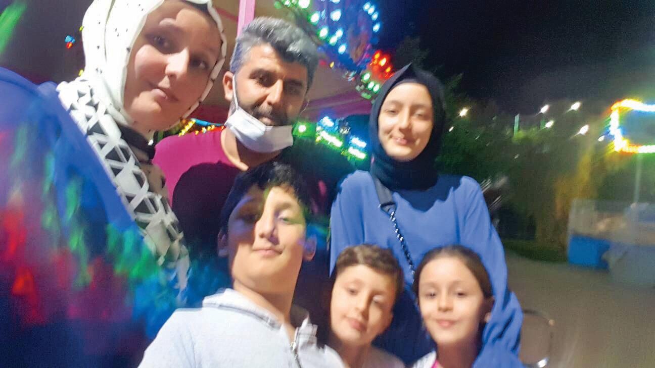 Şehit Emrullah Anşin'inden geriye bu yaz Bursa'da tatilde ailesiyle birlikte çektiği bu görüntüler kaldı.