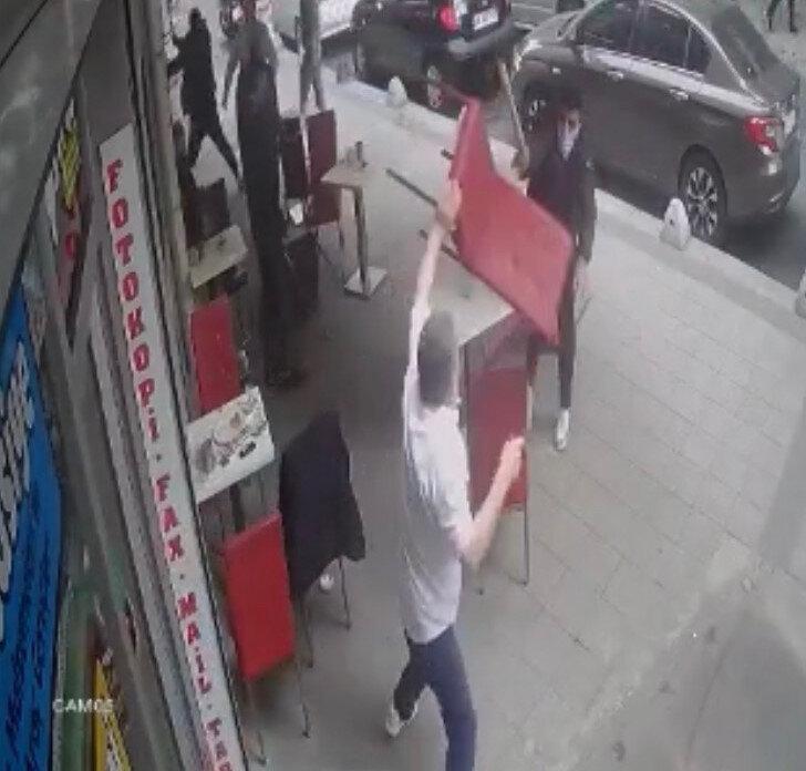 Çağlayan'daki börekçide yaşanan olay dışarıya sıçradı.