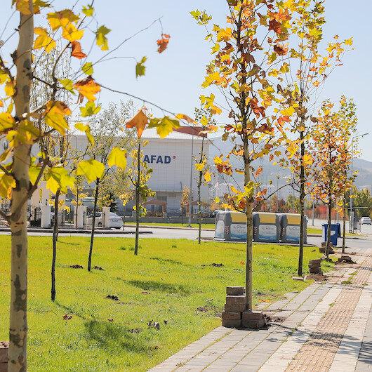 Belediye Başkanı Hilmi Bilgin 5 bininci ağacı toprakla buluşturdu