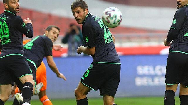 Konyasporlu futbolcunun eşinden İlhan Palut'a: