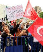 Aşı karşıtları bu kez İzmirde buluştu