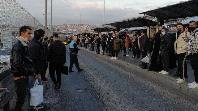 Metrobüs arızası yaşanmayan gün yok: Adres yine Ayvansaray