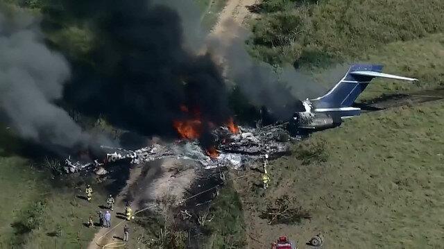 ABD'de pistten çıkan uçak alev topunda döndü: Tüm yolcu ve mürettebat sağ kurtuldu