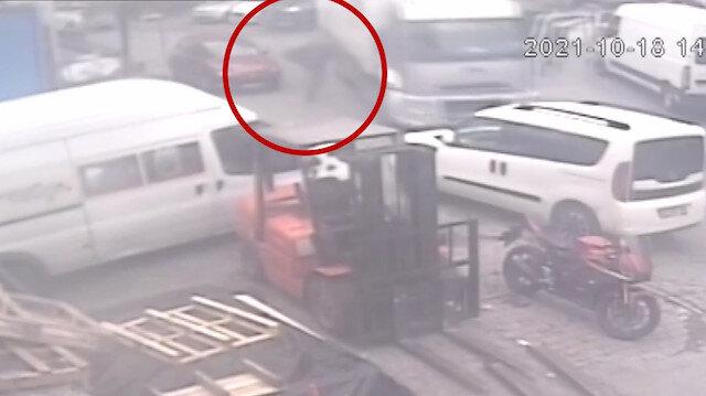 Fren boşalan kamyonu yakalamak isteyen sürücünün ayakları ezildi