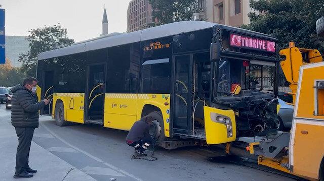 Bayrampaşa'da İETT otobüsünün karıştığı kazada 7 kişi yaralandı