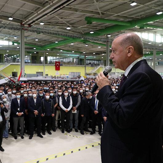 """أردوغان يعزي عائلة """"بيرقدار"""" في وفاة عميدها"""