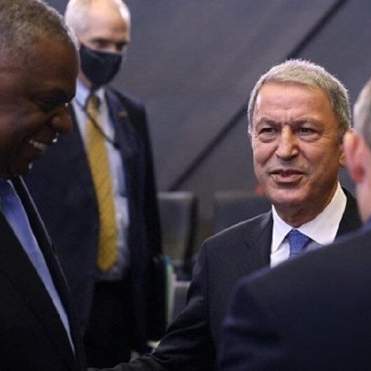وزيرا الدفاع التركي والأمريكي يلتقيان في بروكسل