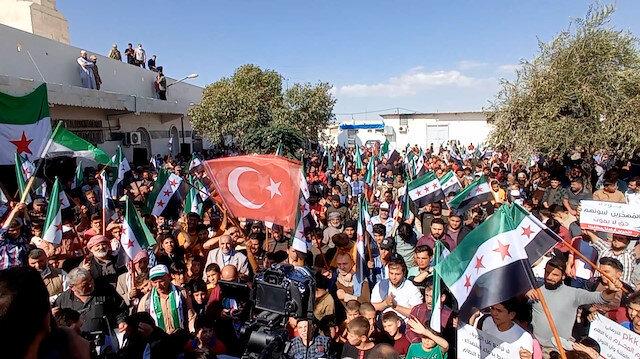 Halepliler terör örgütü YPG/PKK ile Esed rejimini protesto etti