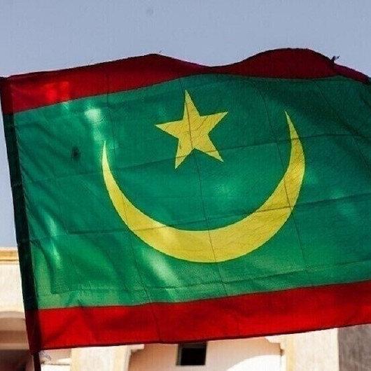 موريتانيا.. توقيف مسؤول سابق اتهم مسؤولين بتهريب عملات صعبة