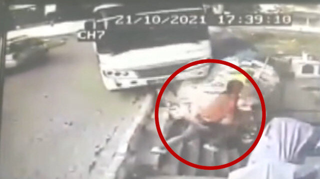 Aydın'da otobüsün duvara asılı kaldığı kazadan kıl payı kurtuldu