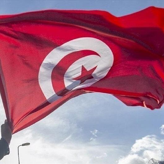 خبراء: تمسك سعيد بقراراته رغم تصاعد الضغوط يصعّب وضع تونس