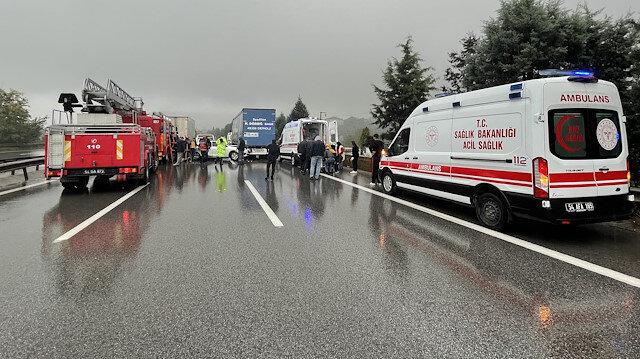 Anadolu Otoyolu'nda zincirleme kaza: 23 araç birbirine girdi çok sayıda yaralı var