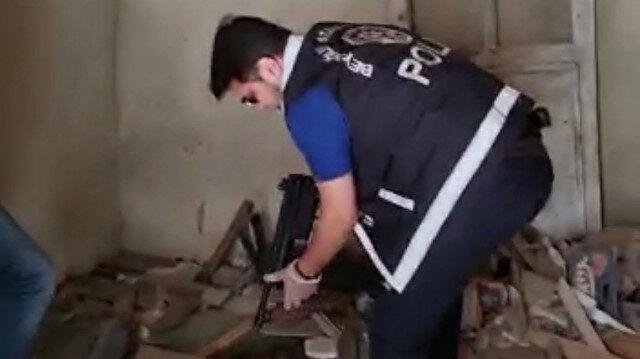 Beyoğlu'nda molozların arasında otomatik silah MP5 bulundu