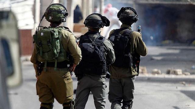 İşgalci İsrail güçleri ikisi çocuk 13 Filistinliyi gözaltına aldı