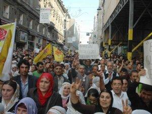 PKK'lılara Taksim'de eylemli destek