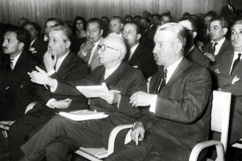 Türkiye'de 57 yılda 17 koalisyon hükümeti kuruldu.