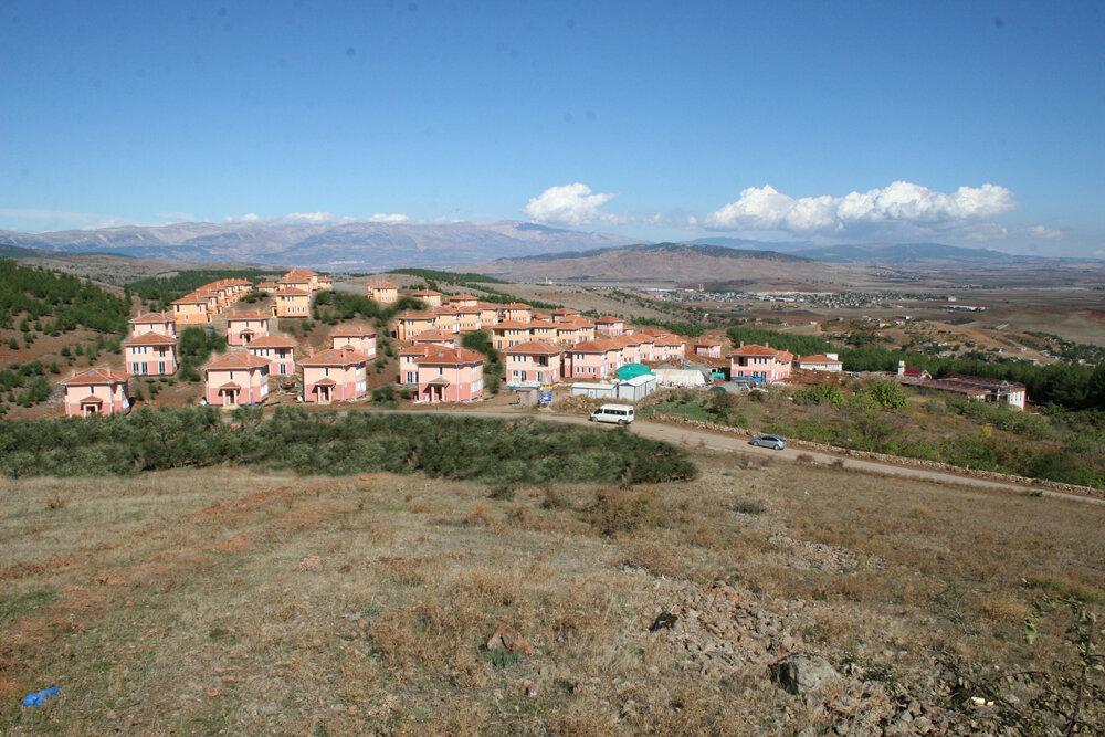 Tarımköy Projesi kapsamında her bölgenin ihtiyaç ve özelliklerine göre konut üretimi yapılıyor.