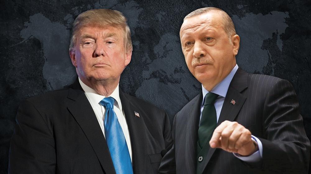ABD Başkanı Donald Trump, Brunson serbest bırakılmazsa Türkiye'ye yaptırım yapılacağı konusunda açıkça tehdit savurmuş Cumhurbaşkanı Erdoğan ise, 'Tehdit diline prim vermeyiz' açıklamasını yapmıştı.