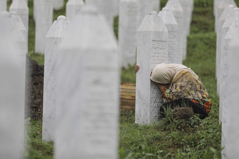 Srebrenitsa'da ne oldu? - Yeni Şafak