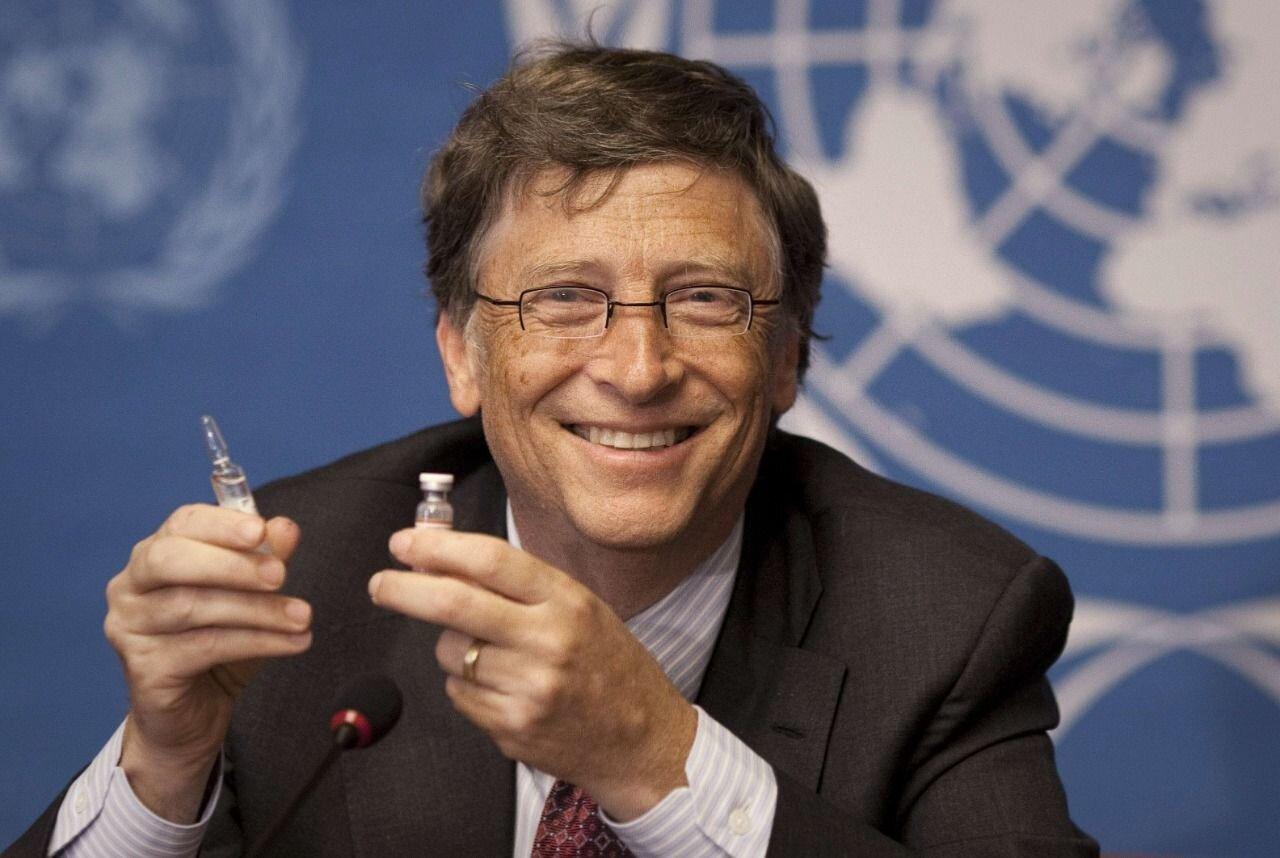 Bill Gates'ten mutasyona karşı üçüncü doz aşı uyarısı - Yeni Şafak