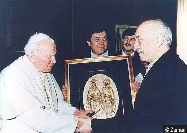 """It was claimed that the pope assigned Gülen as his """"Undercover Cardinal."""" Saying that Pope II. Jean Paul made three suggestions, Gülen reminded that President Süleyman Demirel was the first one to invite the pope to Turkey, adding that he also invited him to Turkey."""