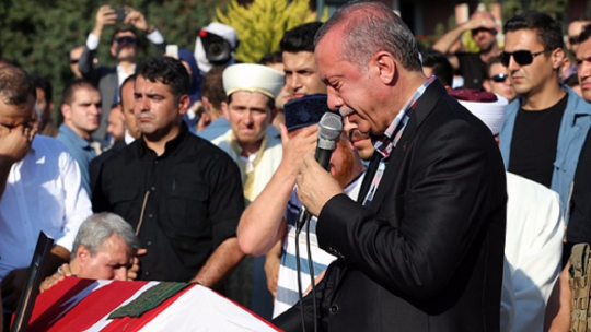 President Erdoğan could not hold back his tears at the funeral of martyrs Erol Olçak and Mustafa Cambaz