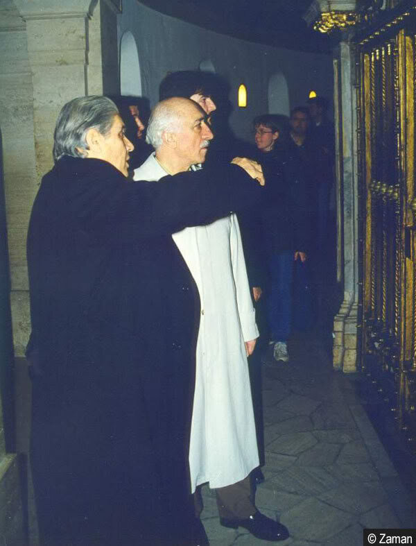 Gülen noted that Marovich tried very hard to arrange his Vatican visit. Marovich was also included in the team that visited the Vatican with Gülen.