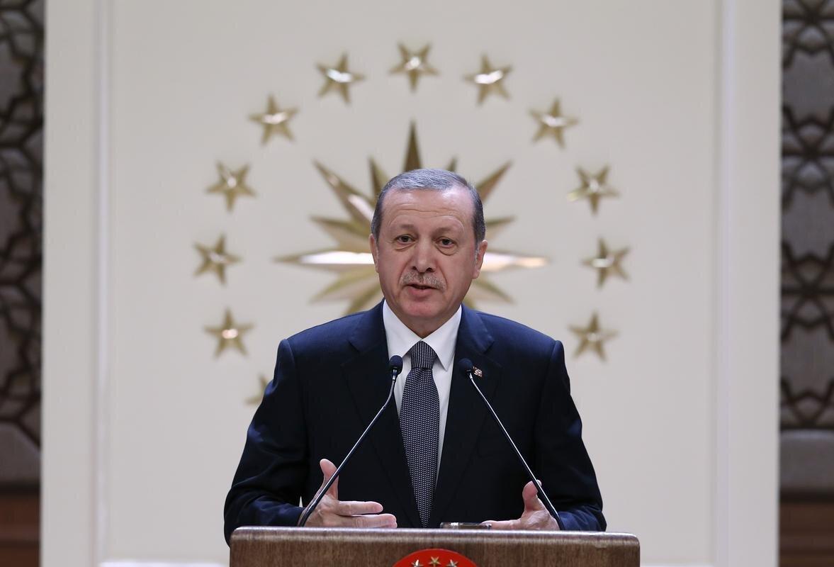 10 Ağustos 2014 Pazar günü, Türk siyasi tarihinde ilk kez doğrudan halkın oylarıyla ve ilk turda 12. Cumhurbaşkanı seçildi.