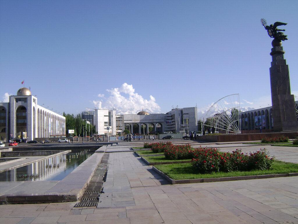Kırgızistan'ın tamamına yayılan FETÖ'nün bu ülkede 18 tane okulu bulunuyor.