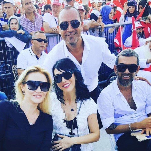 Hakan Akkaya - Hande Yener -