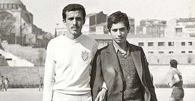 Marmara Üniversitesi İktisadî ve Ticarî Bilimler Fakültesi'ne girdi. Üniversite ile birlikte öğrenim hayatı bir üst lige çıkarken, futbol hayatında da aynı sıçramayı yaparak İETT Spor Kulübü'ne transfer oldu.