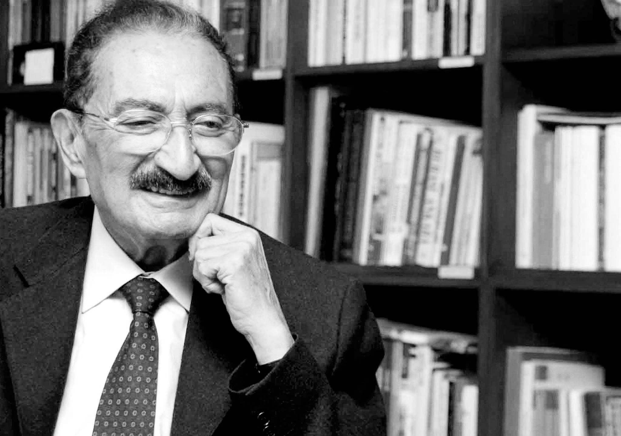 Bülent Ecevit: Herkes şunu kabul ediyor ki, eğer bu topluluğun gayretleri olmasaydı Orta Asya'daki Türk Cumhuriyetleri kolaylıkla İran köktendinciliğinin altına girebilirdi. Bunları önlemiş bulunuyor.