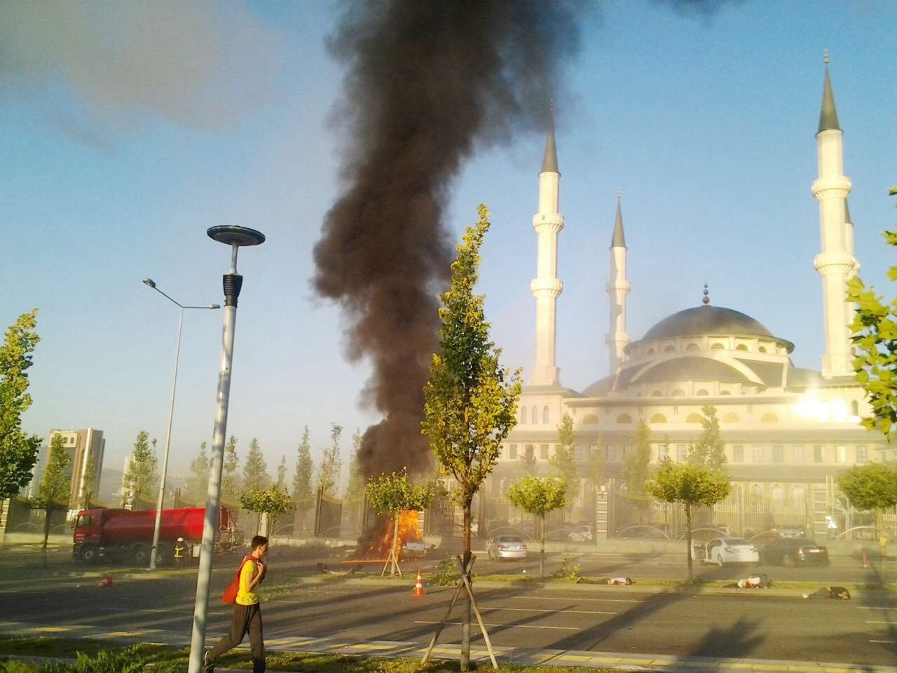 Bombs fell on one of the cars parked in front of Millet Mosque and the bombs killed five civilians.