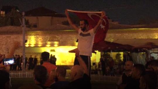 Putschists surrender in Taksim Square