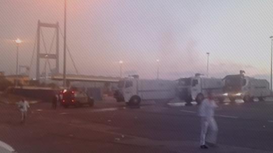 Darbeciler Boğaz Köprüsü'nde halka top atışı yaptı