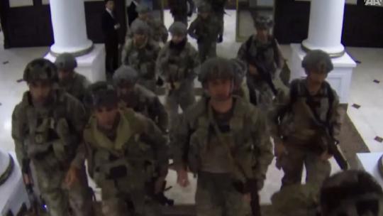 Путчисты зашли в Генеральный штаб