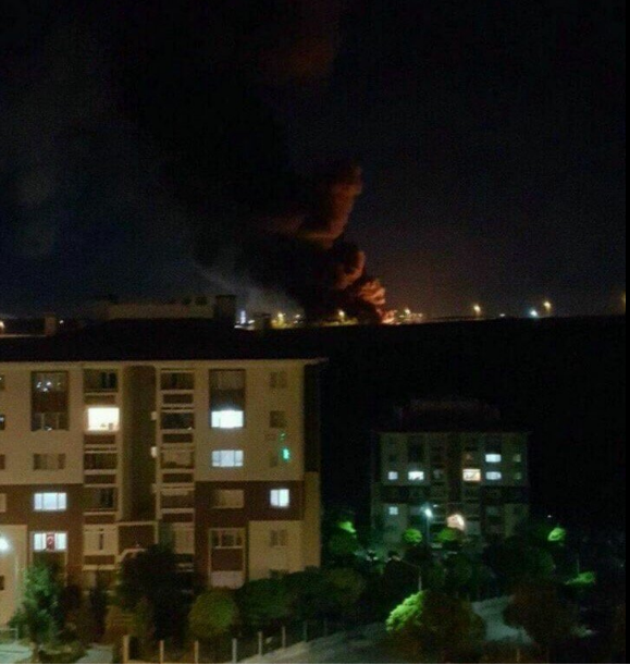 47 polisimizin şehit olduğu bombalamanın fotoğrafı bir vatandaşın penceresinden çekildi.